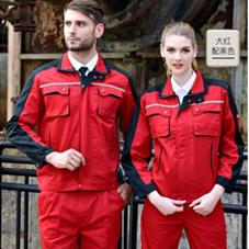 供电故障抢修人员,高温下汗水湿透了工作服