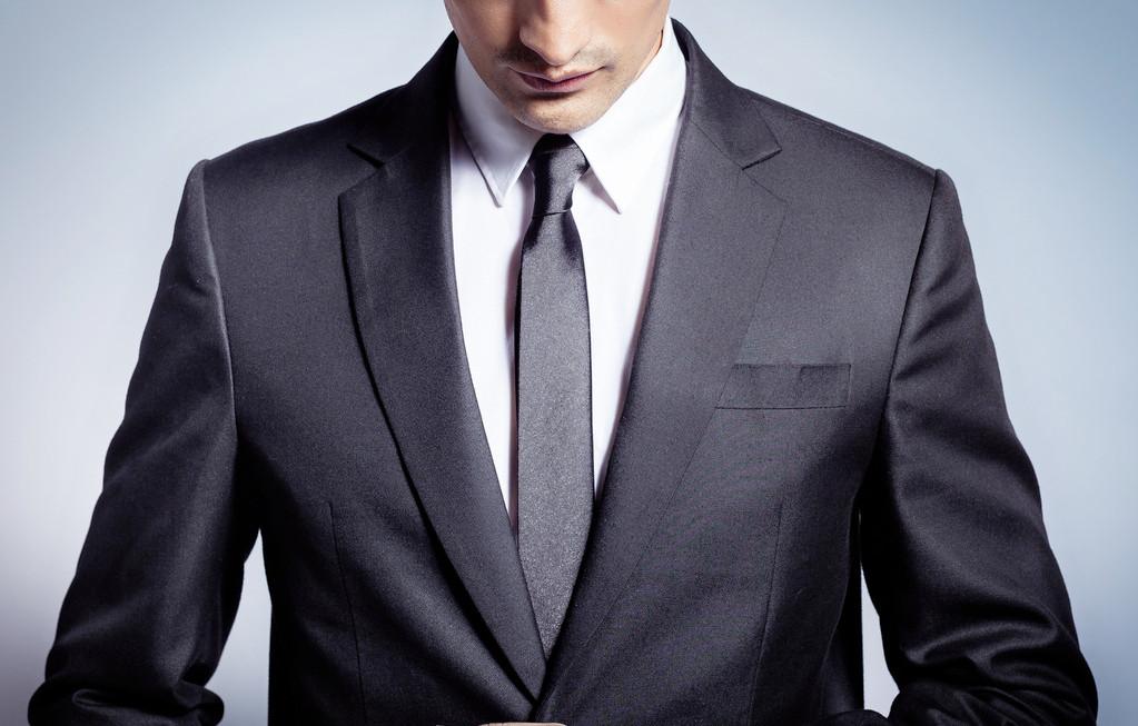 西装衬衫领带的搭配
